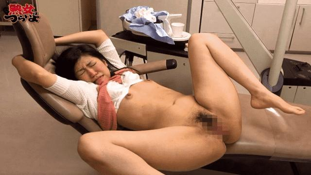 JukujohaTsuraiyo TURA-320b Power Outage Trouble What Dental Clinic In The Dark The Wife In Dental Care Suddenly Blackouts What. I Can Not See It In The Dark - Jukujo ha Tsurai yo