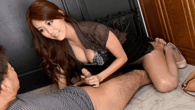 Caribbeancom 011713-240 Akari Asagiri In my room by mistake the wife next door got drunk and came