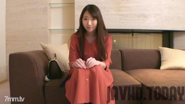 [SIRO-4093] [First shot] [Delicate beauty] [Holiday part-time job of a nursery teacher] A nursery school teacher with a fair face. On holidays I have a naughty face that I can not show to children.. Application amateur, first AV shoot 133