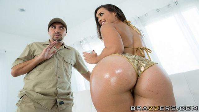 Brazzers - Big Wet Butts - Catsuit Booty Bang